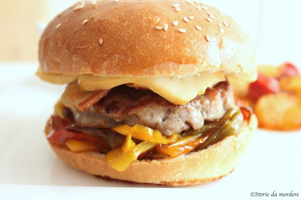 Cheeseburger napoletano4